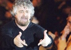 Beppe Grillo in azione.
