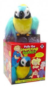 Polly, il pappagallo-pupazzo che dice parolacce.