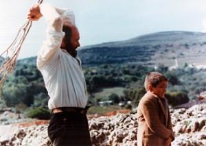 """Una scena da """"Padre padrone"""", sui devastanti effetti di un padre autoritario."""